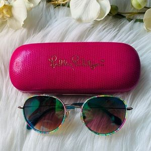 Lilly Pulitzer. Caridee Sunglasses. Size 51.